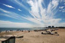 北戴河·秦皇岛   一座非常适合养老的旅游城市。北戴河和南戴河的风光不分仲伯。北戴河是一个都市,而南