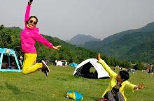 玉渡山的绿色记忆。位于北京延庆县西北山中,山高不过20米,极陡,如平地拔起,周围郁郁葱葱,一片绿的世