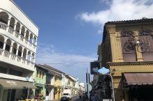 普吉镇,感受当地的风土人情,领略不同的民族文化,骑着机车不断穿行,放飞自我