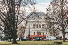 安德拉什大街旅行攻略 |  连接了布达佩斯市中心与著名的英雄广场的安德拉什大街,古树浓郁,寂静恬淡,
