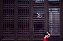 新年第一站,来安庆古城倒扒狮街区逛一逛,仿佛回到了民国时代!倒扒狮古街位于安庆市的老城区内,是当地几