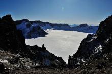长白山天池游览,万达度假区滑雪,雪道上就能看到远方的长白山!