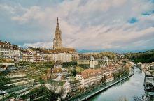 冬游 伯尔尼老城区   瑞士首都不是联合国 欧洲总部日内瓦 ,也不是经济中心苏黎世 ,而是伯尔尼 。
