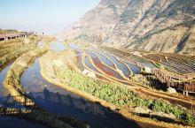米易新山傈僳族梯田很美,很安静,没什么游客。不收门票,这里的人非常朴实,冬天来这里晒晒太阳,带孩子亲
