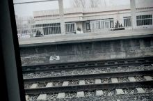 绥中火车站,上了武汉过来的车了,安全第一