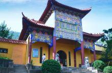 圣泉寺,又名龙泉禅院。位于安徽省萧县龙城镇西北1.5千米的陡山口北坡凤山森林公园内,是一座建筑风格独