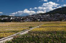 和顺古镇在云南省保山市腾冲市。 和顺旅游资源得天独厚,自然景观和人文景观各具特色,文化底蕴深厚,保存