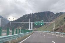 2019北疆自驾游—果子沟大桥、琼库什台 1 果子沟大桥更适合远观,真从桥上走过,未必能体会到它的壮