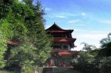 锦屏山东山园林,高山飞瀑,林木幽深,小桥流水,是阆中旅游不可错过的景区,也是人们游览休憩的极好去处。