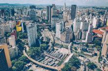 圣保罗——是巴西最大城市 也是一个真正的世界级城市 一个熙熙攘攘的热闹之都 Rio Pinheiro