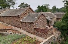 河南内乡石头村,是中国南方地区极其罕见的传统古民居建筑群,始建于清乾隆八年,距今已有近300余年历史
