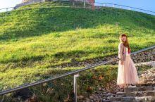维尔纽斯超级漂亮的城堡格季米纳斯城堡 立陶宛的维尔纽斯真的太漂亮了,让我感觉置身巴尔干,只因为这里也