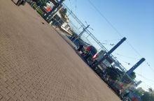 清晨的芬兰火车站(地铁站旁边贼近) 拉多加真的好大好大一眼看不到头 还可以玩沙 舒服