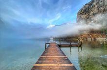 清晨的哈尔施塔特湖~空气清新!