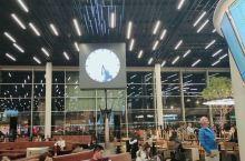又见阿姆斯特丹机场……