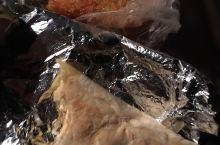 美国人胖子是多,好吃的也太多了,这两个看着不起眼,真好吃,burrito 是卷饼,里面是鸡蛋,芝士,