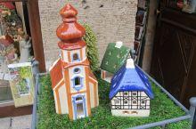 罗滕堡是个童话世界,每栋卡通瓷屋在小城都有一栋真实木筋房,有时间的话,就去穿街走巷找找看吧~