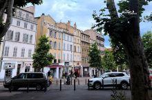 旅行中从来没有过的恐惧感让我在法国马赛真切感受到。这个让全世界小资们向往之地普罗旺斯的首府最早也是我