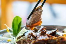 景区还有这样的餐厅,人均50,牛肉吃到撑 一直觉得景区的餐饮有点坑人,前几天一个丽江本地的朋友约着到