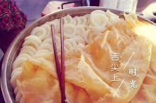 """【一路走一路食,寻味小吃霸屏的潮州】 美食家蔡澜先生曾说:""""食在广州,味在潮汕""""。而潮州这座古城,拥"""