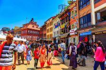 尼泊尔最古老的世界遗产:博达哈大佛塔,昔日边贸市场要道 。 尼泊尔与西藏之间的贸易自古以来十分频繁。