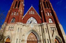最美的爱情见证地  如果你想举办一场非常不一样的婚礼的话,哪个教堂是最为合适的?Sweetest H