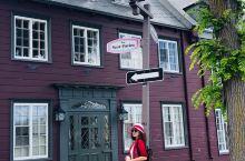 魁北克老城真的美翻了,每一条街都有让你驻足欣赏的建筑,用相机记录下它们