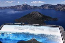 Crater Lake 火山湖,色彩特别美还可以岩石跳水