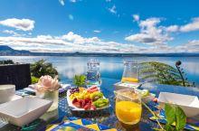 新西兰自驾—陶波 陶波位于新西兰北岛,从霍比屯罗托鲁阿以南约1小时车程,沿途风光明媚,美丽的湖泊陶波