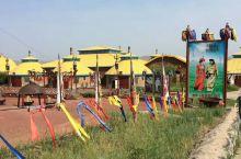 金帐汗!是蒙古汗王的居住行宫,一代天骄成吉思汗就曾在此纵横驰骋,扬鞭天下最终成为一代天骄为元朝奠定了