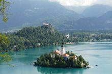 异域风情,自然至上,打造一副美妙的油画  布莱德湖是斯洛文尼亚首屈一指的好风光,在如镜子般的湖面上,