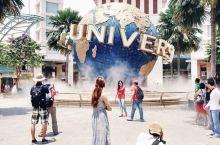圣淘沙是亚洲最南端的岛屿,聚集了环球影城主题乐园、热带度假村,阳光沙滩,酒吧餐厅等。 圣淘沙马来语的