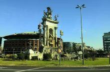皮拉尔圣母教堂坐落于西班牙阿拉贡自治区首府萨拉戈萨的皮拉尔广场上,是一座天主教宗座圣殿,供奉皮拉尔圣