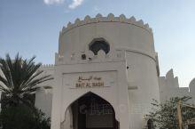 阿曼首府马斯喀特的傍晚幽静安详。位于中东阿拉伯半岛南部的石油输出国阿曼的首都是一座具有悠久历史的城市