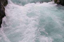 胡卡瀑布,陶波湖的一个必去打卡地。