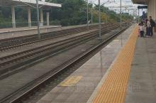 这样的小站拍起高铁进出站特有感觉