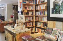 深圳新店 一家复古有年代感的24小时书吧 这栋楼有点类似综合体: -1 和1F(反正cafe) 2F