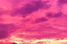 魔幻!19号超强台风逼近日本 多地出现粉紫色天空!  网友表示,昨天傍晚从车站出来以为来到了魔界…