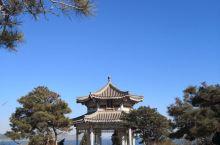 葫芦岛龙湾海滨栈道+兴海栈道把国际和平广场、龙回头等景区连在一起,是一年四季锻炼身体的好去处。