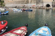 vernazza 韦尔纳扎号称是意大利五渔村的精华,最大程度的保持了渔村的全貌,是渔村中的经典。 村