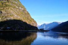 峡湾是北欧的特色风景,挪威的两大峡湾之一—哈当厄尔峡湾,景色的确很美,实际上一路上风光也是不错的,否