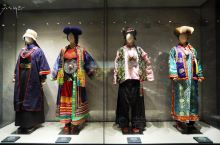 乖乖!一套衣服,堪比北京二环内一套房啊! 青海西宁,逛了一上午青海藏文化博物馆,2019年新开馆的一