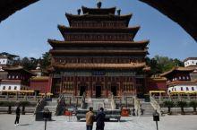 承德非常有名的一个景点,著名的外八庙之一,都是藏传佛教寺庙