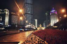 【南宁地王大厦】 地王大厦曾经是西南第一高楼 如今应该已经被超越了 楼顶有云顶观光项目 整个邕城一览
