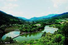 【平利琵琶岛景区】琵琶岛因其地貌形似古乐器琵琶而得名,位于陕西省平利县城以西9公里处。该岛面积300