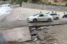 318国道上的网红洗车点!有在这里冲过水的吗?