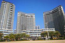 惠东十里银滩,蓝色的天空,蓝色的大海,一望无垠的沙滩和海岸线,真的很漂亮!