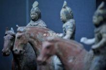 【唐彩绘骑马武士俑】唐懿德太子墓出土,现藏于懿德太子墓博物馆。