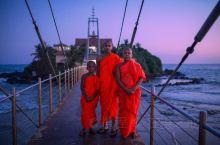 斯里兰卡海上寺庙,大概这就是仙境吧。 马特勒,斯里兰卡南部的小城。之前根本没有在旅行的计划里。当天的
