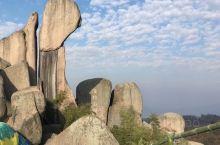 巨石山为大别山余脉,著名黄梅戏文化发源地,安徽省安庆市宜秀区境内,距安庆20公里,距合肥150公里,